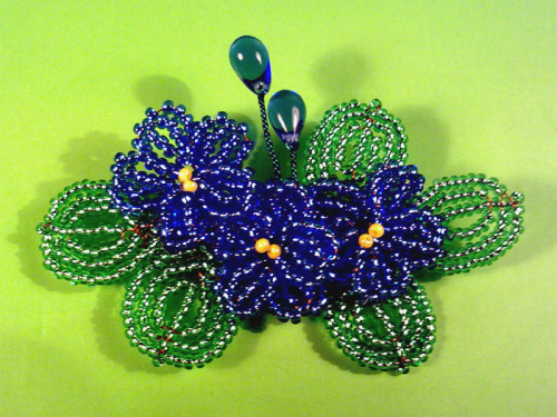 Схема плетения фиалок из бисера фото 280