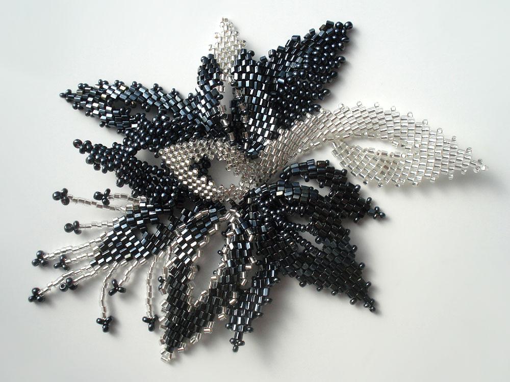 Цветок из бисера схема плетения.  TsVETOK-IZ-BISERA-SHEMA-PLETENIYa.