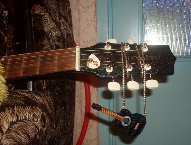 Шаг 2 - Гитара из бисера: